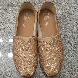 Tom's gold glitter shoes